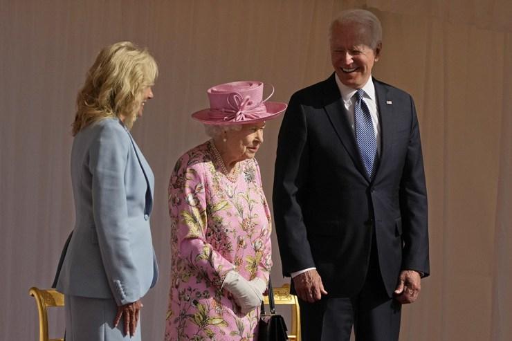 Queen Elizabeth II meets Joe Biden, the 13th US president she has hosted in her lifetime (photos)