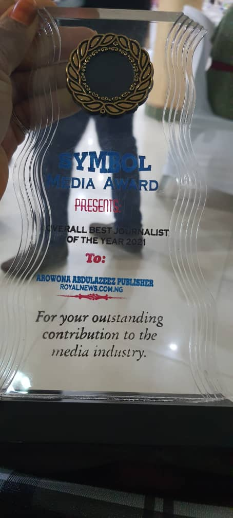 ROYAL NEWS publisher, Arowona bags overall best journalist 2021 award