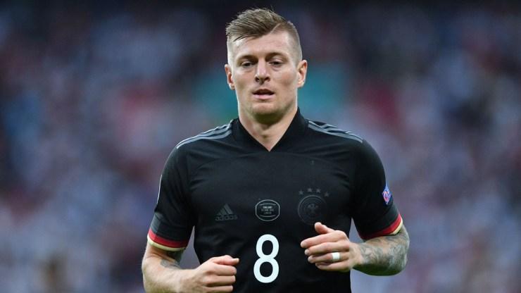 Kroos retires from international football