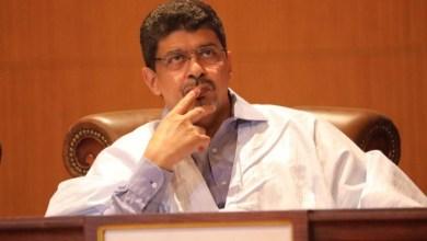 صورة رئيس الحزب الحاكم السابق يطالب ولد عبد العزيز بالكف عن لعب دور الضحية
