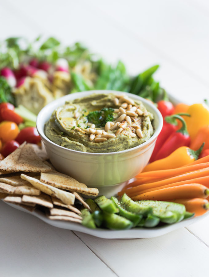 Creamy Broccoli and Butter Bean Dip with Crudités