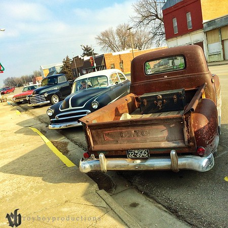 Some of the cars at the start of the day in Gypsum, KS