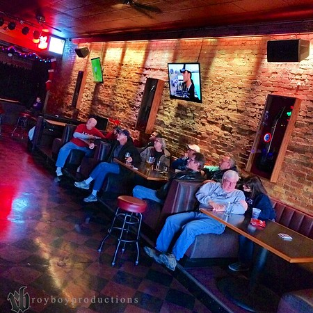 """At the end of the run we gathered at the Paramount Bar in Salina to screen the film """"This Is Long Beach"""" by Brian Darwas (Atomic Hot Rods) and enjoy some delicious chili and pulled pork sandwiches that my mom and Aunt brought in for us."""
