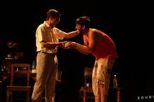 Mohan speaks gibberish to Bhagwan
