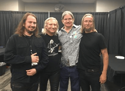 Picture from concert last night: Roy Orbison Jr, Joe Walsh, Wesley K. Orbison, Alex Orbi Orbison ! Tom Petty and the Heartbreakers 40th anniversary tour is a great night. Check if they come to your town and go see them if you have the chance. Tom is a Traveling Wilburys member remember