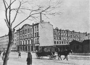 Fabryka Obić i Papierów Kolorowych Józefa Franaszka przy ul. Wolskiej 41/45, miejsce pierwszych egzekucji 4 sierpnia