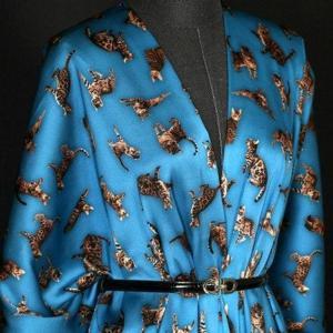 Italian GUCCI Silk Satin Stretch Fabric Rare Cat Digital Print Ornament/ Beautiful Elastic Silk Haute Couture fabric/Fashion Week Italian Fabric