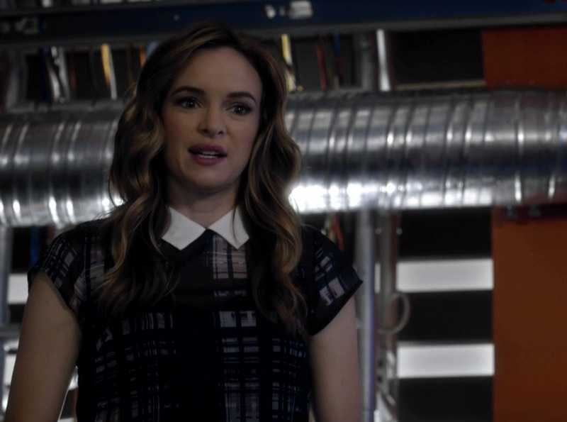 The Flash S03E03 Caitlin Snow