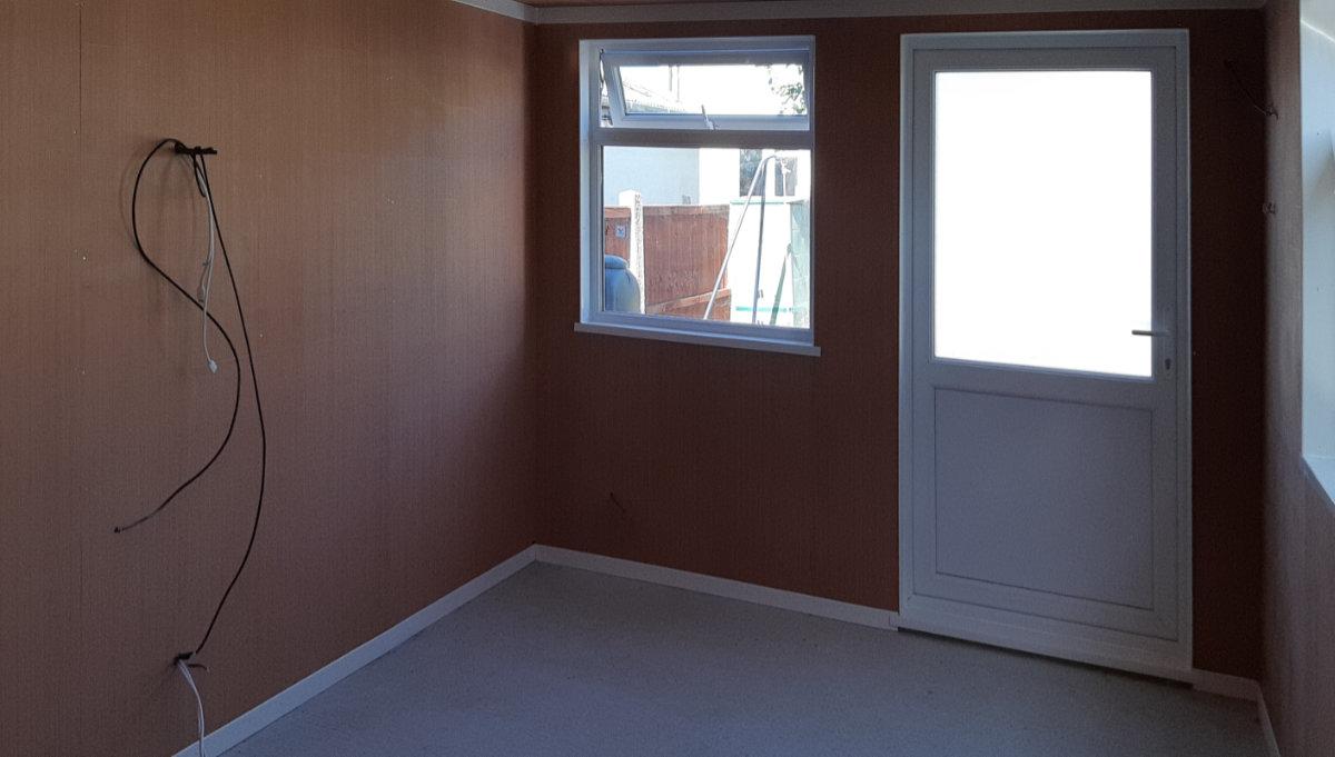 Garden office interior 01 - Your New Garden Office
