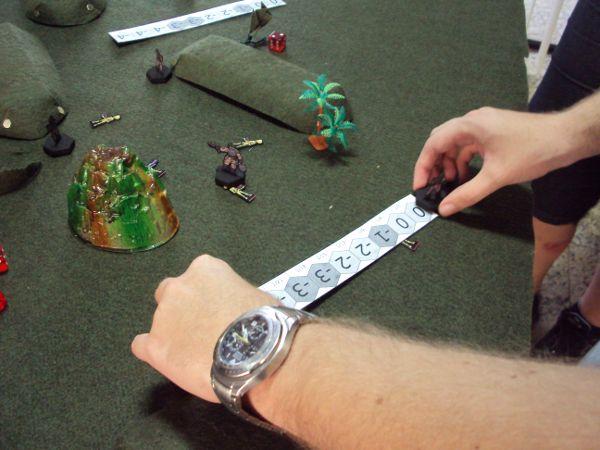 Usando a régua para medir distância.