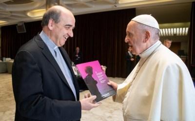 """El Papa recibe el documento """"Sínodo escolapio de los Jóvenes"""""""