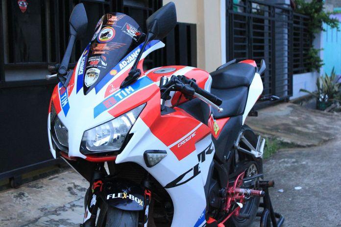 Stiker Honda CBR150 Model Ducati