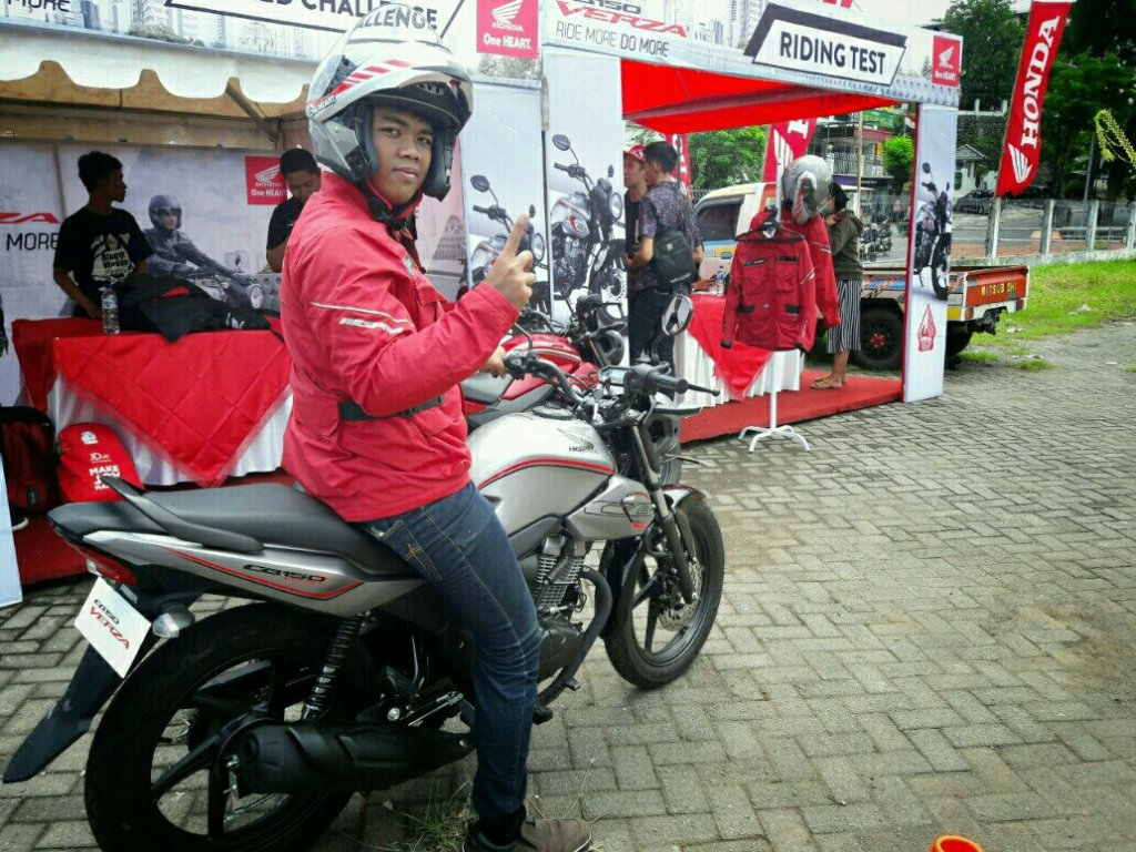 Review Honda CB150 Verza
