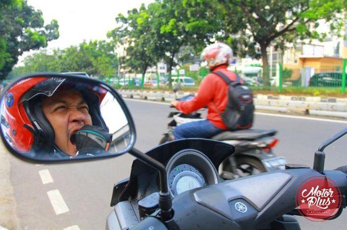 Tips Berkendara Motor Saat Puasa
