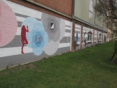 Kunst am Ringgleis, unter anderem mit Eisenbahnmotiven