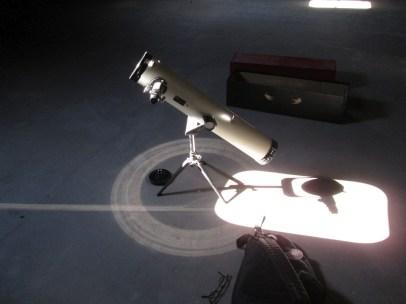 Teleskop von der Okularseite her auf dem Trockenboden
