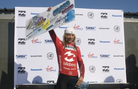 Tyler Wright takes a massive win at Bells Beach at the Billabong Pro Junior and also, by winning , qualifies for the ASP Billabong World Pro Junior Championships– Photo, Liam Robertson.