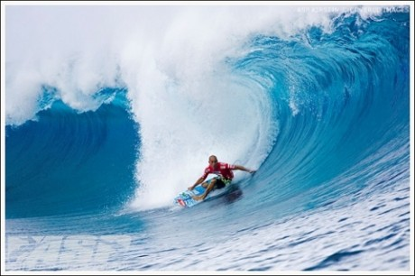 Nine-time ASP World Champion Kelly Slater (USA), 36, enters the 2009 ASP World Tour as the man to beat, with the opportunity to attain an unprecedented 10th ASP World Title.