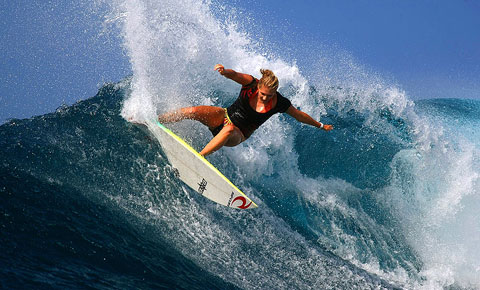 Carolines P-Pass makes for perfect cutty condx for Steph Gilmore (pic: Swilly)
