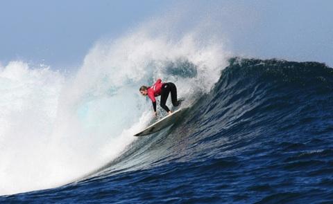 Melanie Redman-Carr winning her fourth Drug Aware Pro title at Margaret River. Photo: Mario Vassallo/Surfing Australia