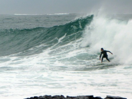Some sizable sets mashing into the point mid-arvo.