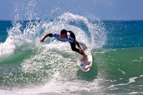 Michel Bourez (PYF), 23, 2009 ASP Dream Tour rookie, will take on former ASP World Champion (2001) C.J. Hobgood (USA), 30. photo: ASP/ CI/ MORRIS via GETTY IMAGES