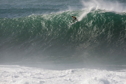 Greg Long (USA), 2009 Quiksilver In Memory of Eddie Aikau Champion. photo: ASP/ CESTARI