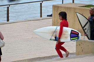 Dunno this young bloke's name but he rips it up at Dee Why Point!