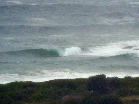 ESE swell hits dee why point
