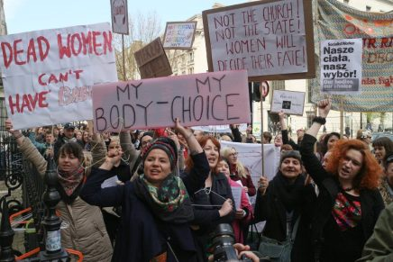 Poles resist the attack on women's rights