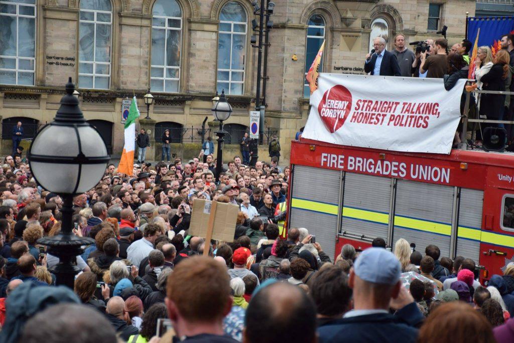 Jeremy Corbyn addresses Liverpool rally (Photo: Alan Gibbons)