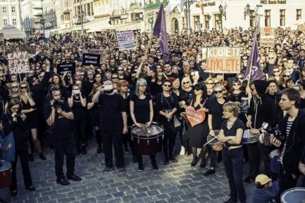 Interview: The #czarnyprotest and Monday's women strike might be a turning point in Polish politics