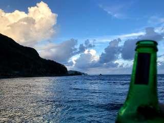 tisas-barefoot-bar-view-beer