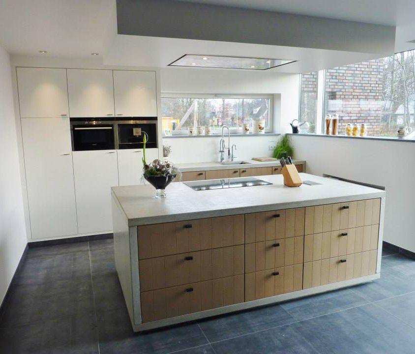 Moderne Inbouw Keuken met Keukenapparatuur