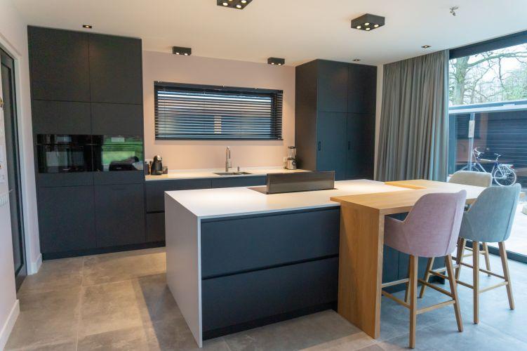 Inbouw Keuken op maat met inbouwapparatuur in Hengelo