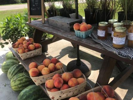 Sweet South Market carries a variety of goods from Alabama farmers, makers, artists and craftsmen. (Michael Tomberlin / Alabama NewsCenter)