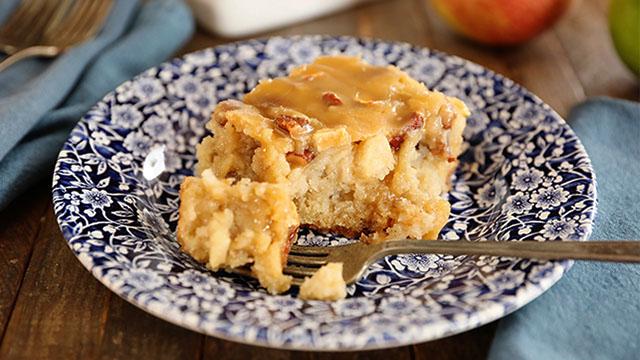 Recipe: Apple Dapple Sheet Cake