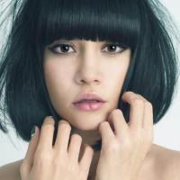 Foto 7 model rambut yang membuat wajah terlihat muda