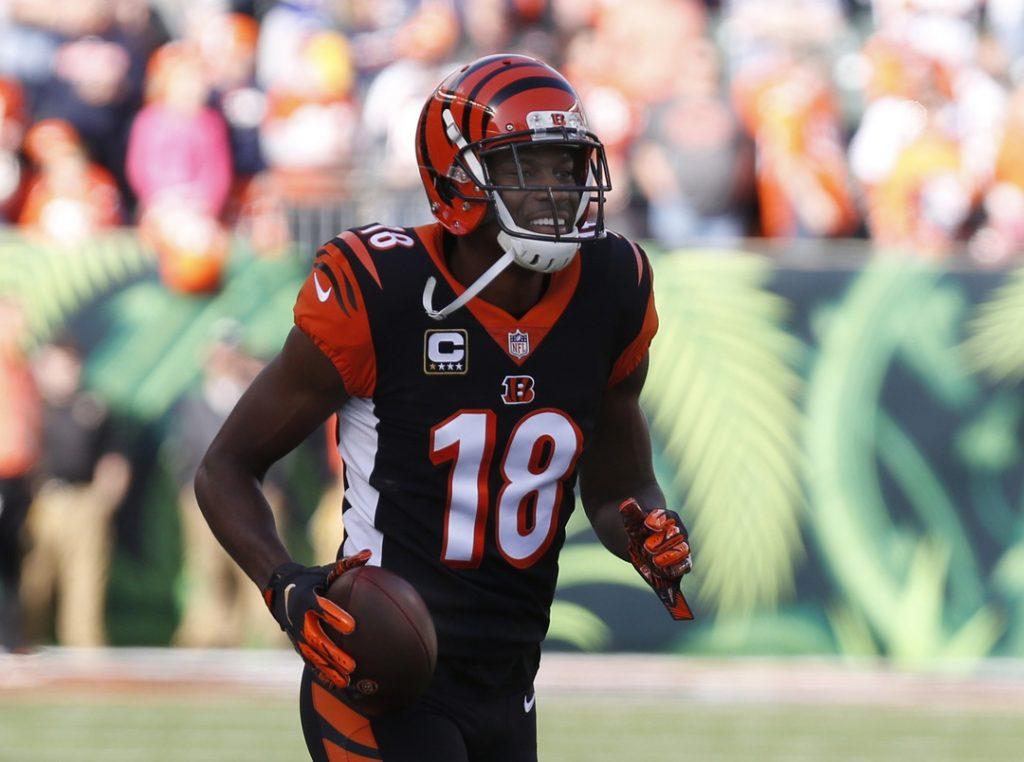 Bengals rumors: Carlos Dunlap puts Cincinnati house up for sale following loss
