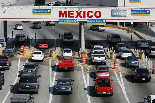 U.S. & Mexico border-crossing limits now extended through Nov. 21