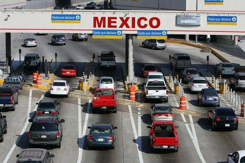 cars crossing border