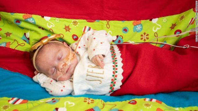 tiny-baby-christmas-sweater-2