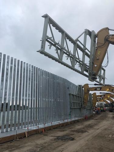 border-wall-rio-grande