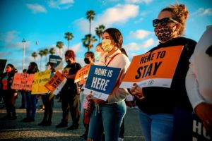 Federal judge in Texas blocks new DACA applications as illegal