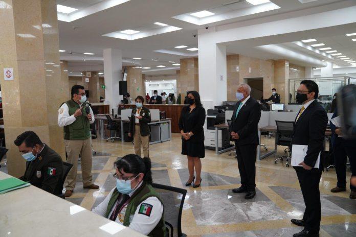 Photo of En repunte de pandemia, burócratas regresan a labores presenciales