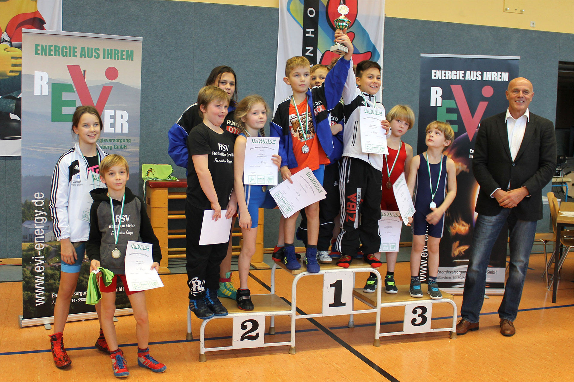 RSV Rotation Greiz: Greizer Nachwuchsringer gewinnen Turnier in Waltershausen
