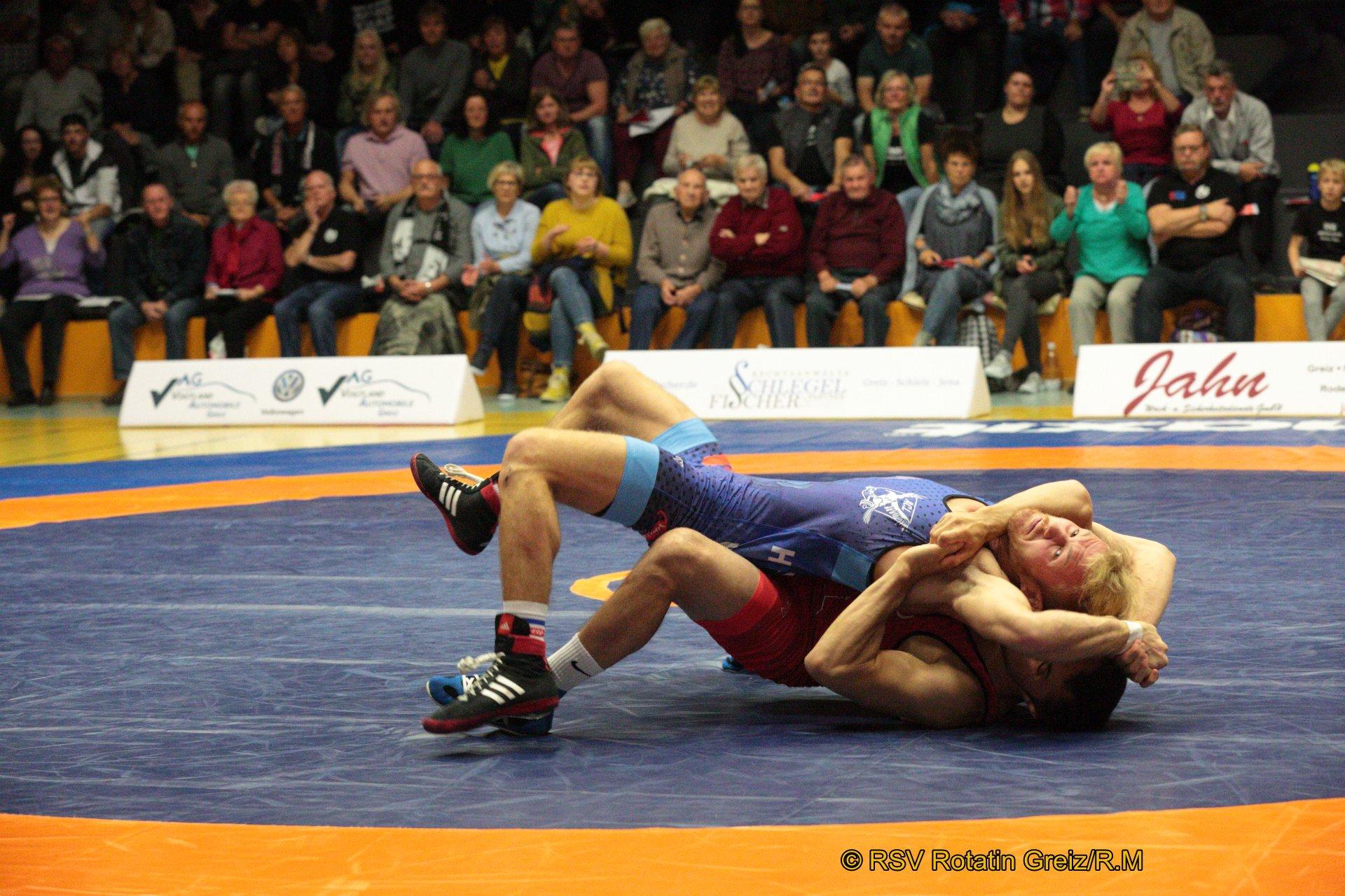 66kg Freistil: Vladimir Gotisan EU (5) (rotes Trikot), RSV Rotation Greiz gegen Bastian Hoffmann (1), AC Lichtenfels 4:0/TÜ/16:1/05:27