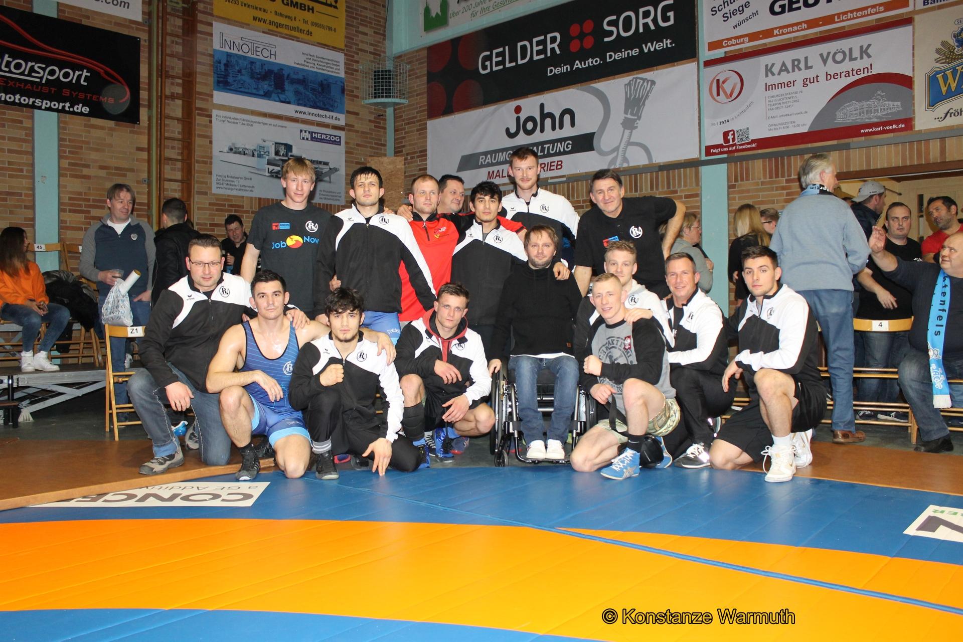 Die erfolgreichen Ringer in Lichtenfels mit Martin Kittner