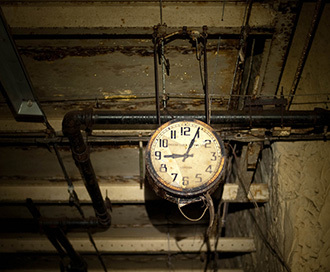The famous Drakelow tunnel clock (Photo by Alex Lomas / flickr.com)