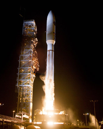 A United Launch Alliance (ULA) Atlas V rocket carrying a payload for the National Reconnaissance Office (NRO) lifted off from Space Launch Complex-3 on Dec. 5 at 11:14 p.m. (Photo from www.ulalaunch.com)